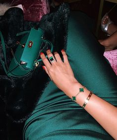 Fashion Gone Rouge, Cartier Jewelry, Jewellery, Blue Aesthetic Pastel, Girly Images, Classy Aesthetic, Cute Girl Poses, Luxury Jewelry, Stylish