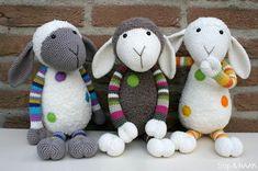 crochet sheep - so cute! Crochet Sheep, Love Crochet, Crochet Animals, Crochet Dolls, Knit Crochet, Amigurumi Patterns, Amigurumi Doll, Yarn Crafts, Crafts