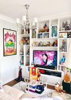 Casa Disney, Disney House, Deco Disney, Disney Bathroom, Pastel Bedroom, Disney Bedrooms, Clean Bedroom, Disney Home Decor, Barbie Dream House