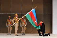 """El presidente de Azerbaiyán, Ilham Alíev, afirmó hoy que los azerbaiyanos volverán a ocupar sus """"tierras históricas"""" en el territorio de la actual Armenia, lo que implica una virtual declaración de guerra."""