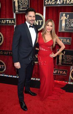 Sofia Vergara's Man Candy Game Is On POINT! She & Joe Manganiello Make Their Engaged Red Carpet Debut At The SAG Awards