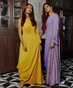 New dress with sleeves classy gowns ideas Casual Dress Outfits, Trendy Dresses, Modest Dresses, Nice Dresses, Bridal Dresses, Diwali Dresses, Diwali Outfits, Drape Dress Pattern, Dress Patterns