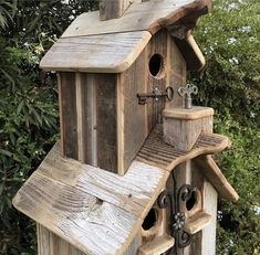 Two story rustic birdhouse with two cupolas & 3 nesting boxes. Homemade Bird Houses, Bird Houses Diy, Bird House Plans, Bird House Kits, Wood Projects, Woodworking Projects, Woodworking Classes, Jardiniere Design, Birdhouse Designs