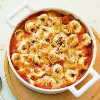 Tortellini gratin the best - Recipe tortellini gratin the best of – recipe of the main course category with vegetabl - Pasta Recipes, Cooking Recipes, Best Pancake Recipe, Vegetable Salad Recipes, Antipasto, I Foods, Italian Recipes, Food Inspiration, Love Food