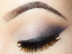 Smokey Cat Eye Look