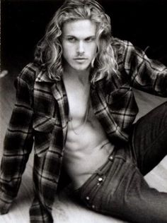 For the @Camie Whittle and @Hannah Luce . Cause I know how much you like guys with a nice head of hair.