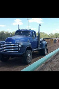 Amazing Car and truck images – canada … Old Dodge Trucks, Vintage Pickup Trucks, Chevy Pickup Trucks, Classic Chevy Trucks, Chevrolet Trucks, Gmc Trucks, Cool Trucks, Old Chevy Pickups, Chevy Duramax
