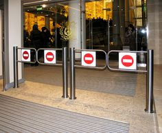 WMD-05 motorized swing gates at the Mariinsky Theatre, St. Petersburg, Russia