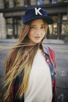 long hair stylish i love her hair Lindsay Hansen, Looks Style, My Style, Girly, Skater Style, Turban, Swagg, Pretty Hairstyles, Pretty Face