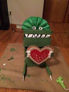 Cardboard Creations Moving Box Dinosaur Stewart