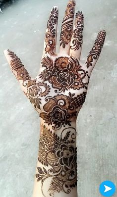 Striking Khafif mehndi designs collection for hands to try in 2019 Round Mehndi Design, Modern Henna Designs, Floral Henna Designs, Latest Bridal Mehndi Designs, Henna Art Designs, Mehndi Design Pictures, Modern Mehndi Designs, Mehndi Designs For Girls, Mehndi Designs For Beginners