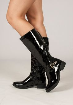 Step into the new season with our stunning patent buckle strap black boots<3   These shiny treats are one not to miss and amazin paired with your fave pair of jeans  Shop: http://www.revuk.com/product/patent-buckle-strap-boot/