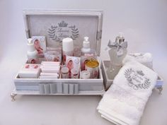 Divina Caixa: Kit Lavabo + Caixa Toalete - Batizado