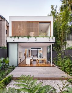 The Cloud House in Bondi was built by Robert Plumb Build and designed by archite.The Cloud House in Bondi was built by Robert Plumb Build and designed by architectural studio Akin Atelier. The simple design of the two-storey residence belies t