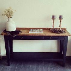 Gotta love side tables!   Www.relivingthepast.wix.com/relivingthepast