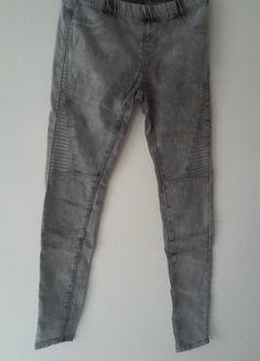 À vendre sur #vintedfrance ! http://www.vinted.fr/mode-femmes/pantalons-skinny/24033824-tregging-jean-gris