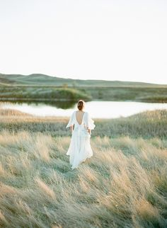 Organic Vintage Wedding Ideas | Wedding Sparrow | Golden Veil Photography