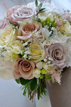Mentha, Quicksand, Avalanche Roses, brides bouquet.