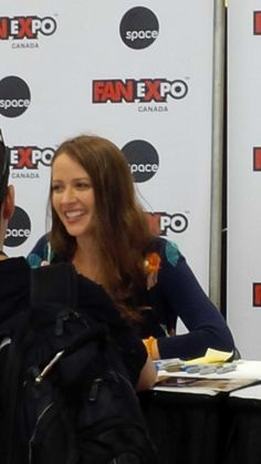 In line for @AmyAcker's autograph!!! #TeamRoot #PersonOfInterest #FanExpoCan