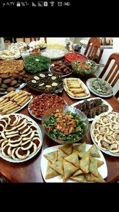 Brunch Bar Brunch Table Ethnic Recipes Turkish Recipes Party Snacks Appetizers For Party Food And Drink Drinks Places Lebanese Recipes, Turkish Recipes, Ethnic Recipes, Bbq Catering, Brunch Bar, Brunch Buffet, Iftar, Food Carving, Food Platters