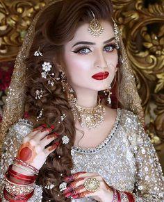 Amazing Wedding Makeup Tips – Makeup Design Ideas Pakistani Bridal Hairstyles, Bridal Hairstyle Indian Wedding, Pakistani Bridal Makeup, Indian Wedding Makeup, Wedding Makeup Tips, Bridal Makeup Looks, Natural Wedding Makeup, Bride Makeup, Bridal Beauty