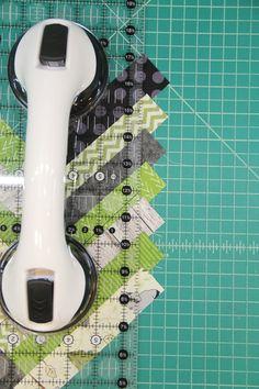 French Braid Mug Mat — Crafty Staci Table Topper Patterns, Mug Rug Patterns, Quilt Block Patterns, Quilting Projects, Quilting Designs, Braid Quilt, Quilt Blocks Easy, Mug Rug Tutorial, Herringbone Quilt
