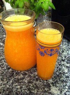 Néctar de laranja e cenoura. Uma bomba de vitaminca C              Receita: 2 Laranja sem cascas nem partes brancas 3 cenouras pequenas pes...