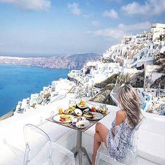 @chloe_t ⠀ #santorini #greece