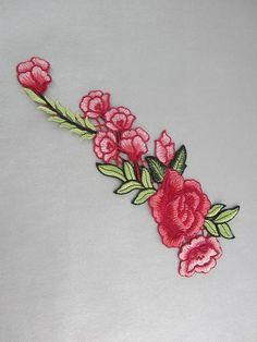 Apliques florales rojo bordado parches verde