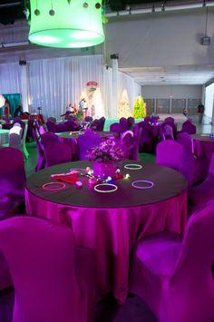 Magenta party decor with glow sticks ~ #neon #fun #decoration #ideas #eventuresinc