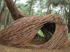 Stunning tree house / environmental art for kids by artist Will Beckers, the willow man