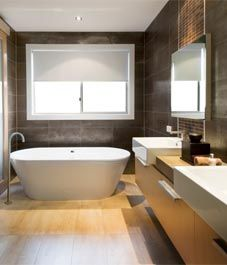 Daily, weekly and seasonal bathroom cleaning checklist!