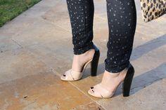 http://glitterandpearls.com/wp-content/uploads/2013/02/lexi-the-gap-skimmer-jeans-leopard-malene-birger-coat-nude-black-patent-sandals-_-glitterinc.com_.jpg