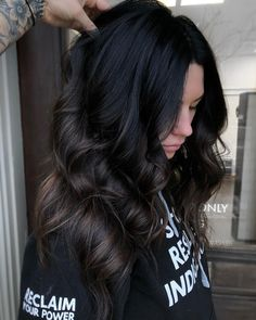 When the natural base is so gorgeous sometimes less is more behindthechair btconeshot btconeshot darkhair Brown Hair Balayage, Balayage Brunette, Dark Brunette Hair, Black Balayage, Dark Ombre Hair, Hair Color For Black Hair, Brown Hair Colors, Natural Black Hair Color, Red Black Hair