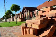 La mejor #ceramica se encuentra en Toledo. Si quieres calidad no dudes en contactar con la compañía #oliva para conseguir el mejor material de construcción. Visita: http://www.howiswho.com/ceramica-la-oliva