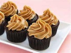Receta de Cupcake de Chocolate Húmedo con Betún de Queso con Manjarblanco
