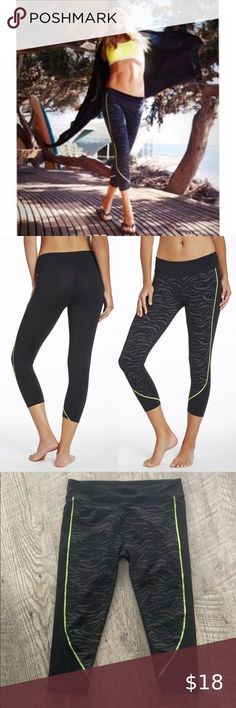 FABLETICS Sydney Capri in Black Zebra Green Trim Still in excellent condition. Fabletics Pants Capris