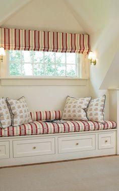 Cottage ● Window Seat