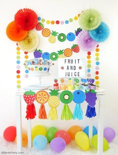 DIY Fruit & Juice Drinks Station - learn to style a fun, interactive, easy and super tasty drinks and fruit bar for your kids birthday or play dates! Cocktails Bar, Juice Drinks, Fruit Juice, Fruit Birthday, 2nd Birthday Party Themes, Unicorn Birthday, Birthday Ideas, Birthday Parties, Birthday Cake