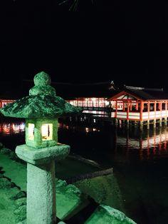 厳島神社の夜2