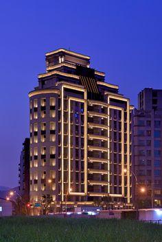 永泰建設/皇御/原碩照明設計顧問有限公司 Big Building, Building Exterior, Building Facade, Facade Lighting, Exterior Lighting, Outdoor Lighting, Architectural Lighting Design, Landscape Lighting Design, Modern Residential Architecture