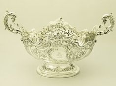 'Sterling Silver Bowl' A fine and impressive antique Victorian English sterling silver bowl.