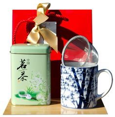 Gift Bag – Green tea & Tea mug Japanese Bamboo Traditional Mugs, Traditional Japanese, Japanese Bamboo, Chinese Greens, Bamboo Design, Green Bag, Tea Mugs, Tableware, Gifts