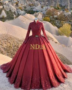 Kerala Wedding Saree, Indian Bridal Lehenga, Indian Gowns, Saree Wedding, Gujarati Wedding, Marathi Wedding, Indian Sarees, Sari Blouse, Blouse Neck