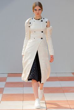 Céline Fall 2015 Ready-to-Wear Fashion Show: Complete Collection - Style.com