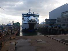 MS Friesland II op de werf. Regulier groot onderhoud plus een grote verbouwing. November 2015 @rederijdoeksen #doeksen #harlingen #terschelling #veerdienst #werfbeurt #werf (credits foto: Maarten Schouwenaar)