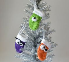 30: pattern, Kim Lapsley Crochets: Goofy Mini Stockings; Appliques, Coasters, Magnets, Ornaments: 3, 22, 30, 48, 57, 58, 71, 76, 80, 85, 103.