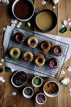 The best recipes for COOKING VEGAN WITH CHOCOLATE - Vegan Spelt Baked Doughnuts with Raw Chocolate Glaze