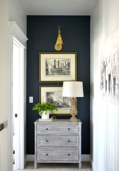 Trendy inviting entrance ideas - Latest decorTrendy inviting entrance ideas wall color hallway front yard entryway foyerChristmas deco - glass ideasWeihnachtsdeco Weihnachtsdeco The post Weihnachtsdeco appeared first on Glas ideen.Trash to treasure with Navy Accent Walls, Navy Blue Walls, Accent Wall Bedroom, Navy Blue Decor, Accent Wall Decor, Heart Wall Decor, Lobby Design, Blue Hallway, Casa Clean