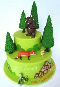 The Gruffalo Chocolate mud cake with chocolate ganache, fondant icing finish. All decorations made out of fondant icing and/or modelling. Gruffalo Party, Best Cake Ever, Woodland Cake, Ice Cake, 2 Birthday Cake, 3d Figures, Fondant, Biscuit, Fancy Cakes